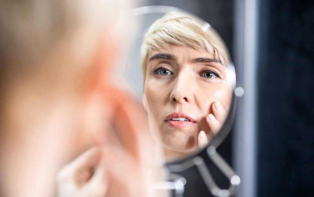 קמטים בעור: למה הם מופיעים